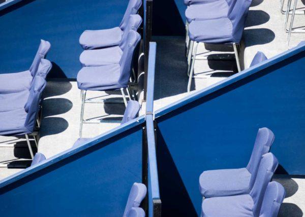 sillas vacías evento deportivo